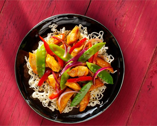 Sweet & Sour noodles with chicken and vegetables