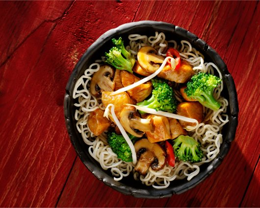 Sweet Soy noodles with chicken and vegetables