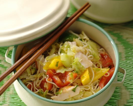 Teriyaki noodle salad with smoked chicken